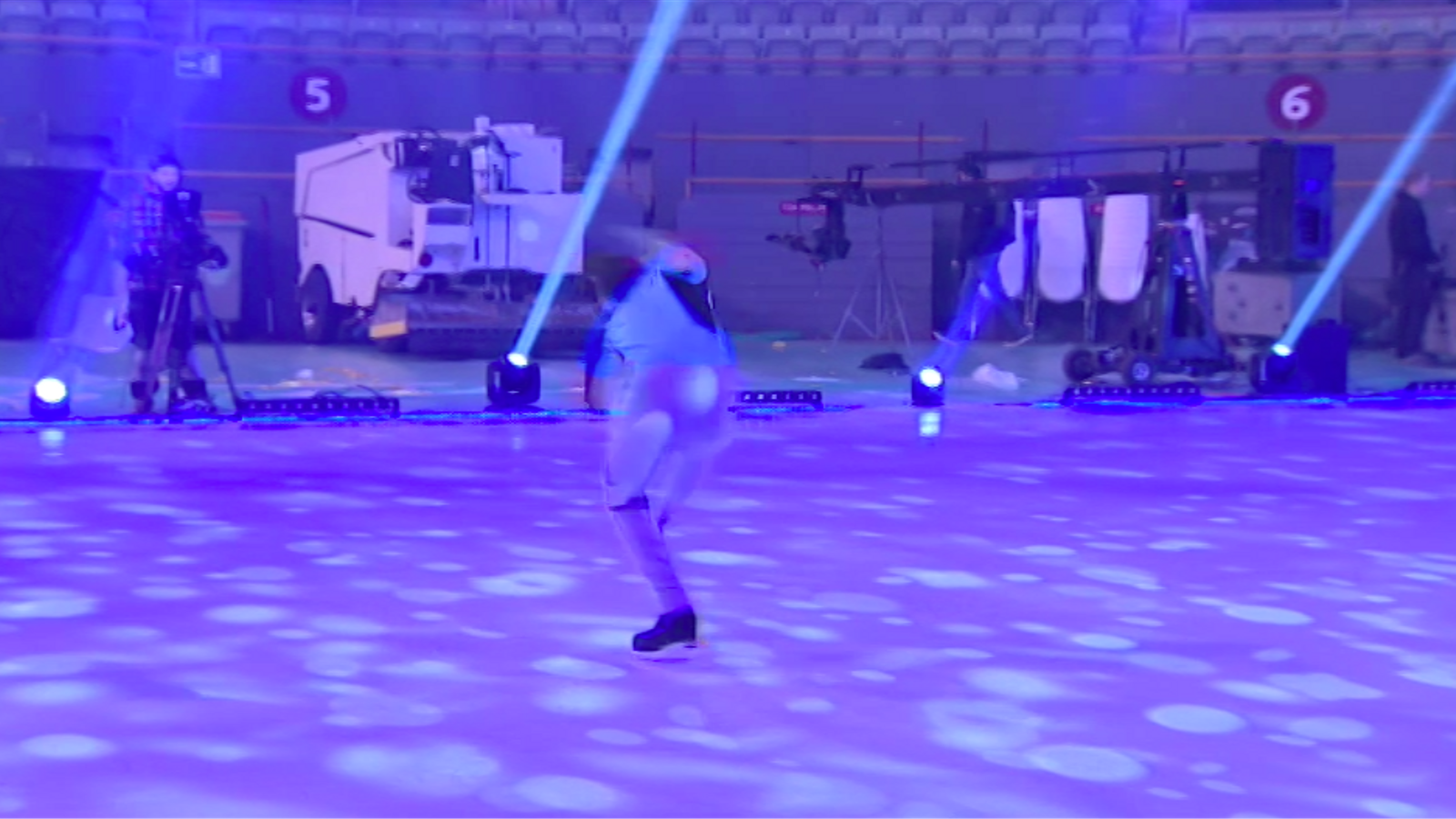 El patinador de moda, Javier Fernéndez, assajant l'espectacle 'Revolution on ice' a Madrid (2)