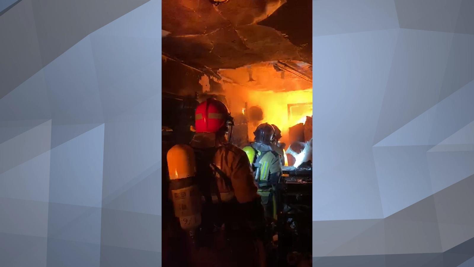 L'incendi a l'avinguda Carlemany des de dins