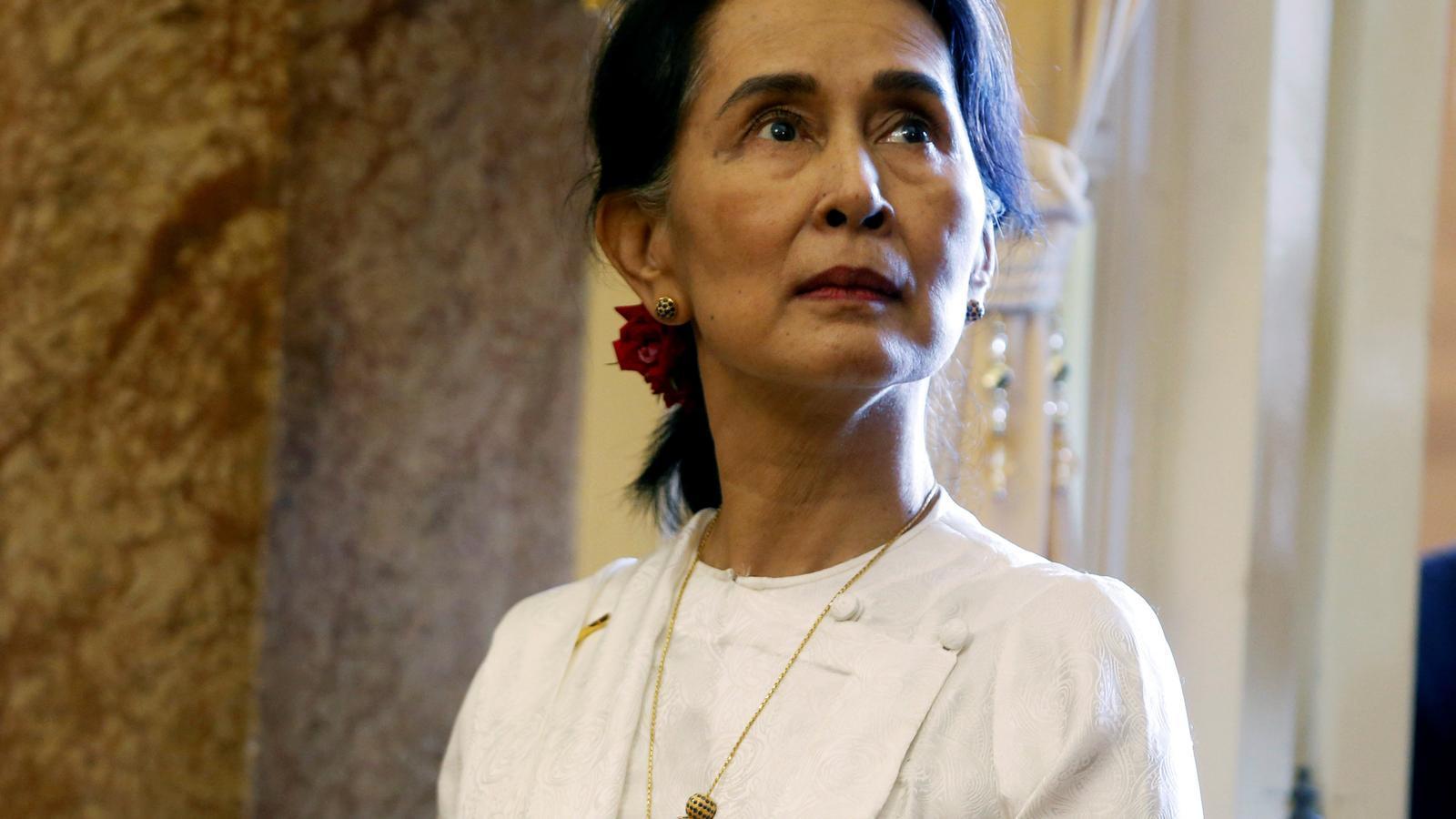 Suu Ky, en un acte al Vietnam