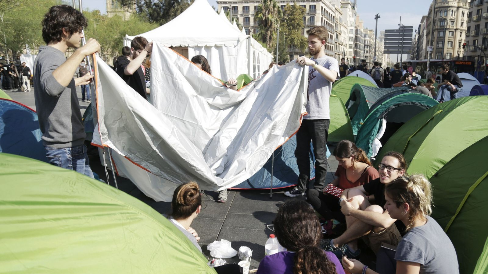 Les organitzacions juvenils abandonen l'acampada per sumar-se a les properes mobilitzacions