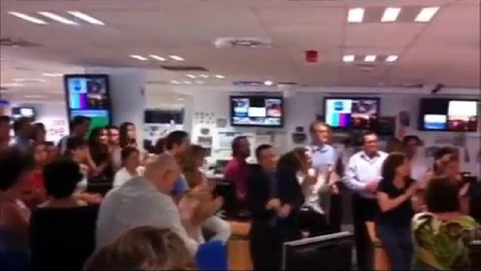 Fran Llorente, acomiadat amb aplaudiments per la redacció de TVE
