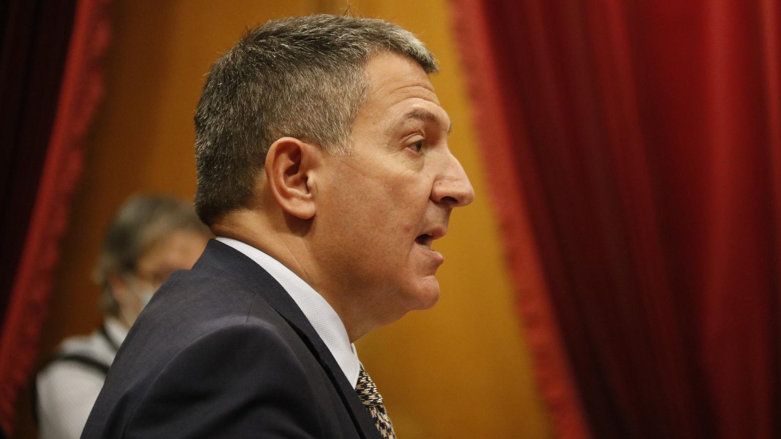 El conseller d'Interior, Miquel Sàmper, aquest dimecres al Parlament.