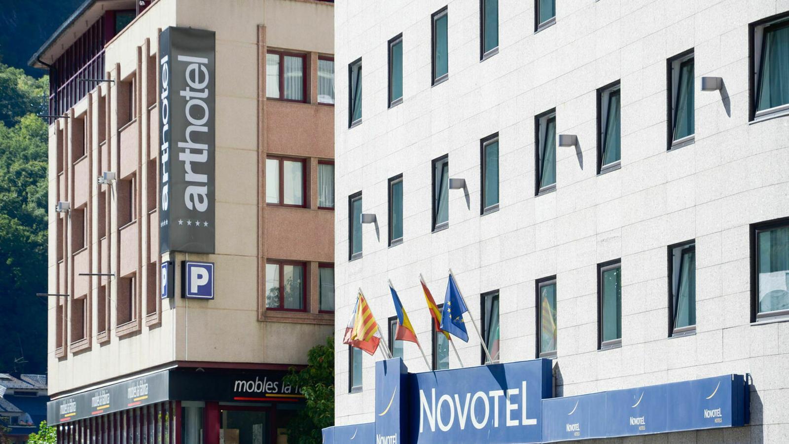 Dos hotels d'Andorra la Vella. / ARXIU
