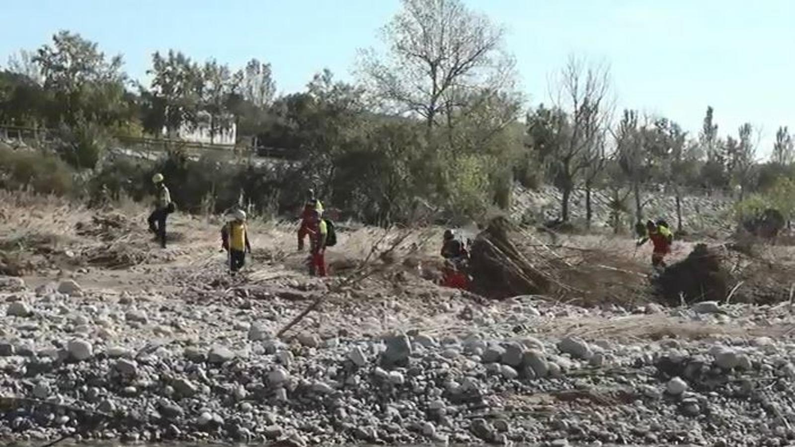 Així és la recerca que estan fent els Bombers per trobar els desapareguts a la Conca de Barberà arran del temporal de la setmana passada