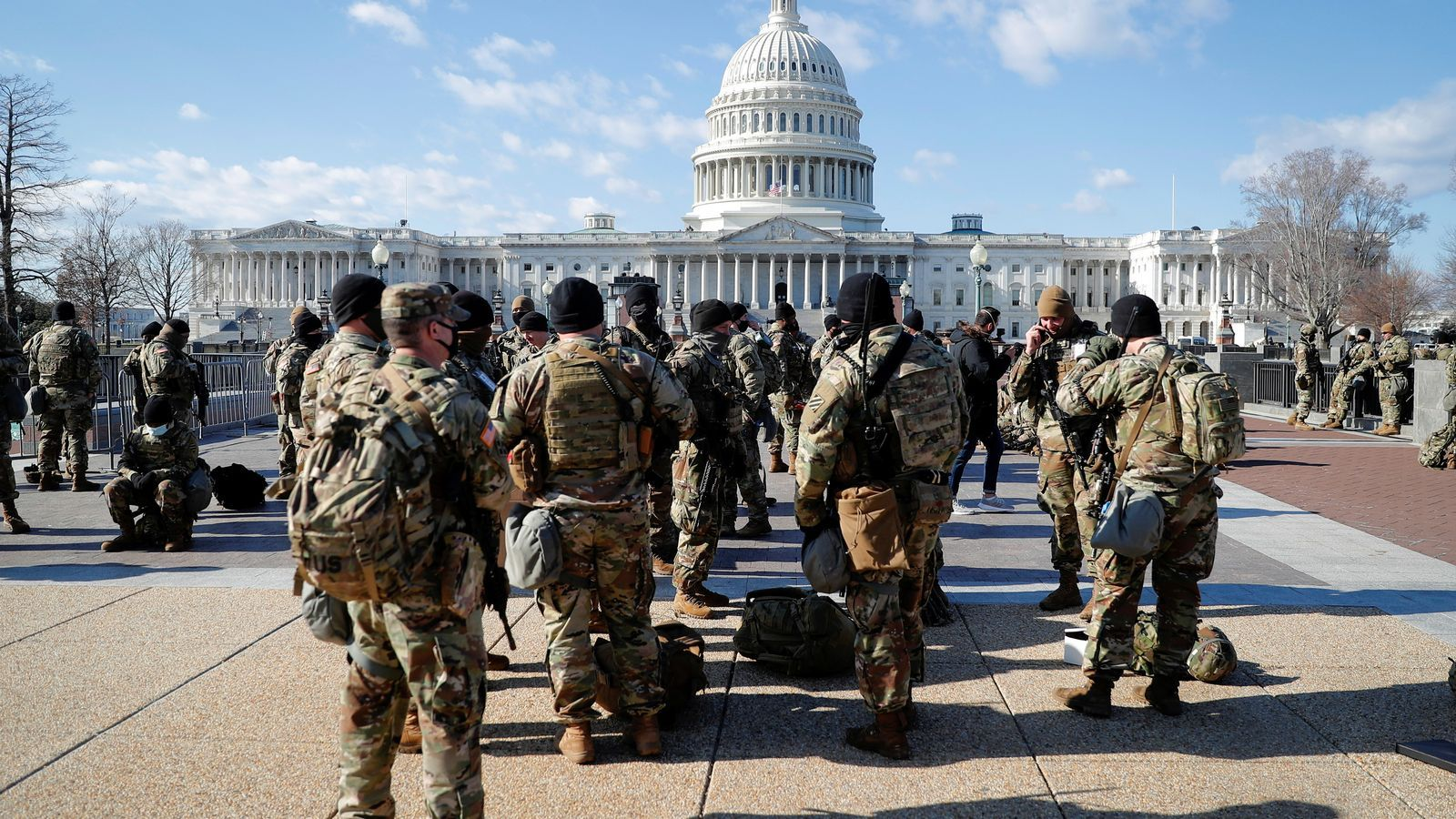 Dos soldats apartats del dispositiu per protegir Biden pels seus vincles amb milícies neonazis