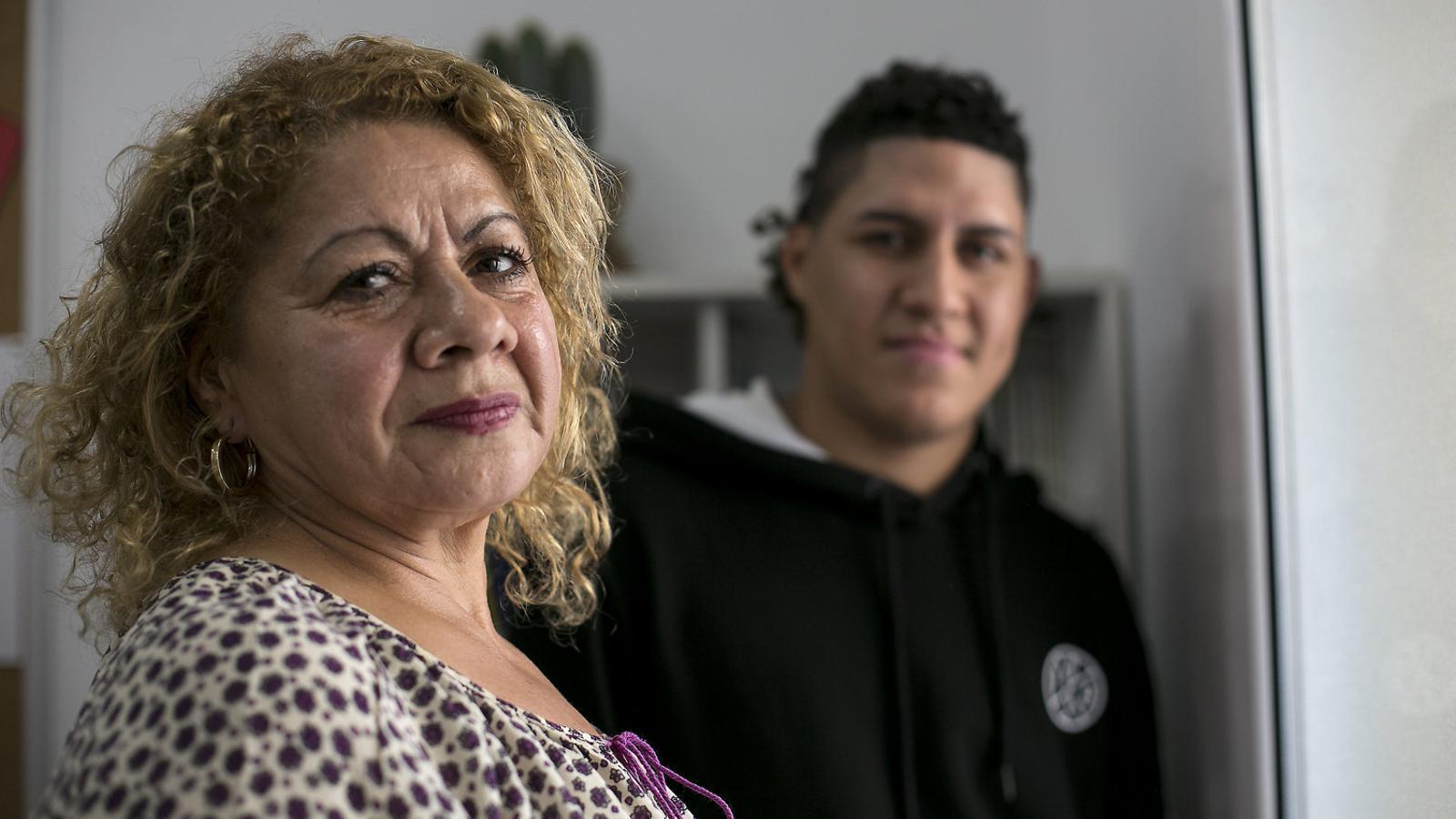 """""""Visc rellogada en una habitació amb el meu fill perquè no puc pagar res més"""""""