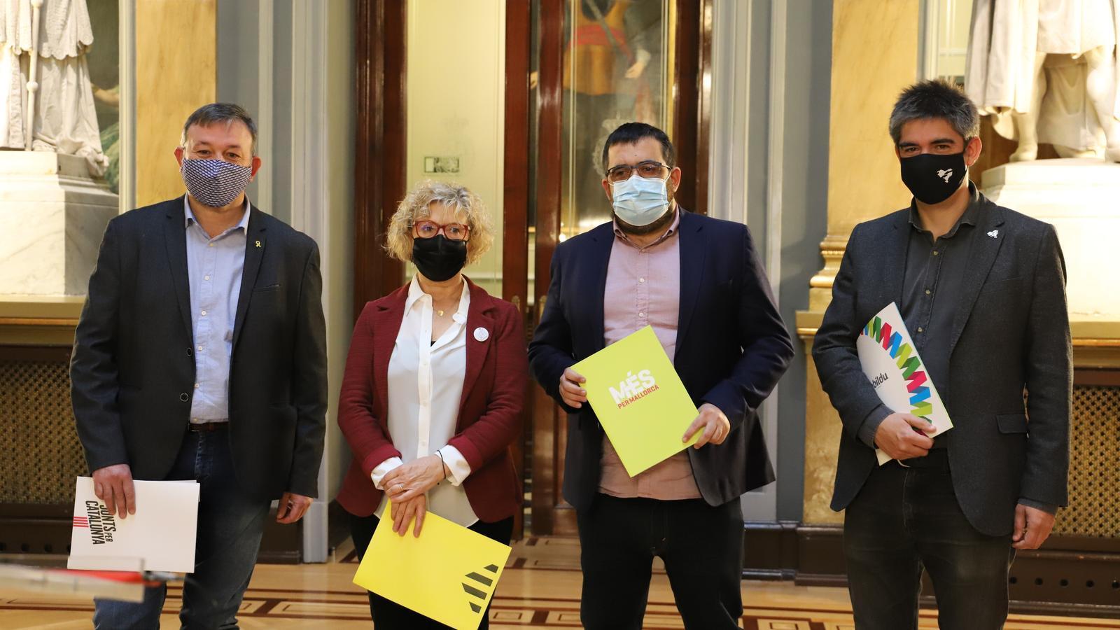Els representants de MÉS per Mallorca,  Esquerra Republicana, JxCat, i EH Bildu.