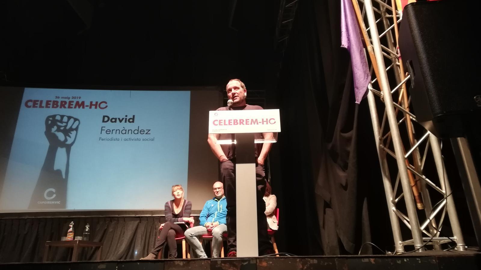 David Fernàndez desembarca a Vic per unir-se a la crida a acabar amb 40 anys de governs de CiU