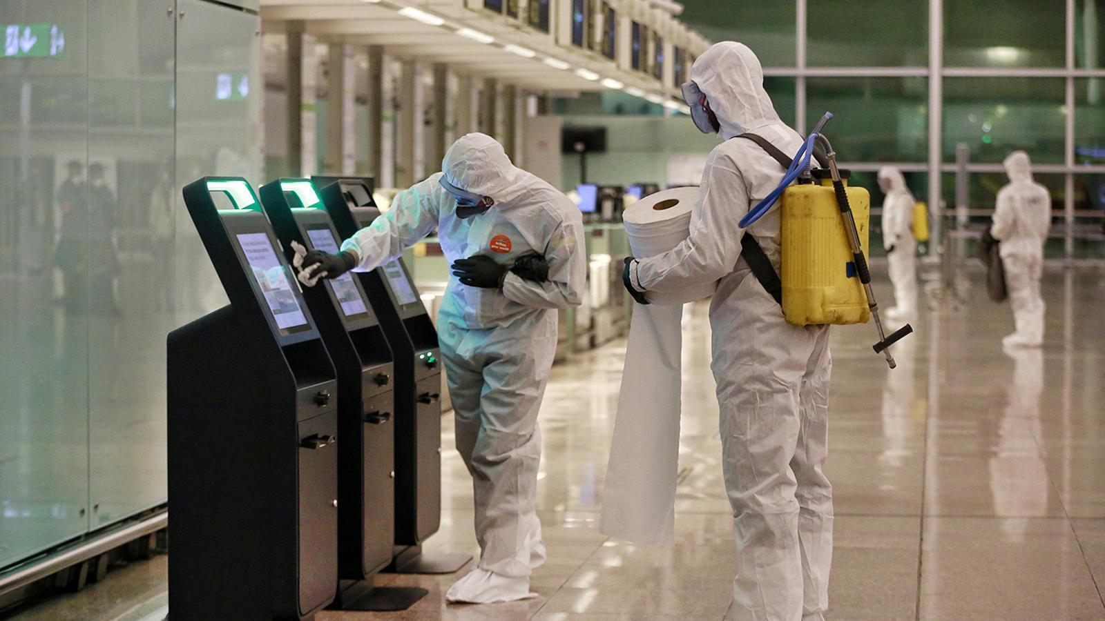 A l'aeroport del Prat li costa remuntar