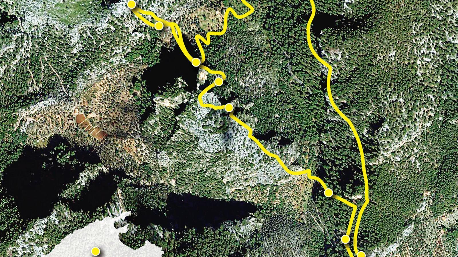 El puig de n'Escuder   i el pas de la rota d'en Clapat