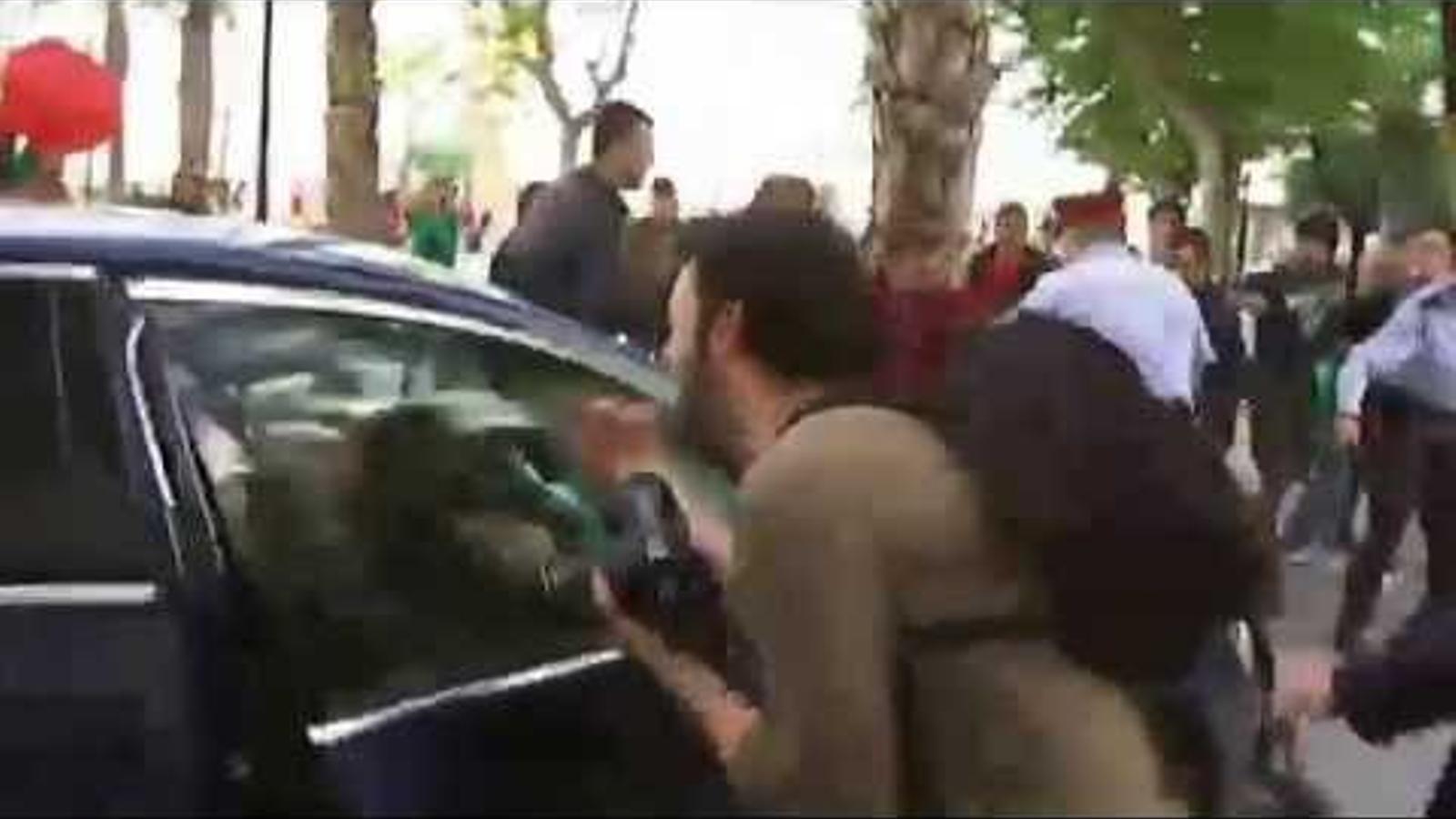 Jutjats per manifestar-se contra el cotxe de Montoro