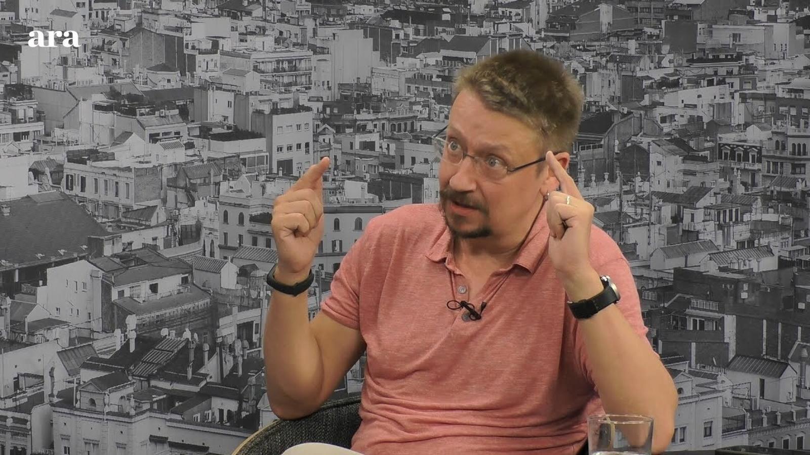"""Xavier Domènech: """"No hi ha partit més monàrquic des del 1978 que el PSOE"""""""