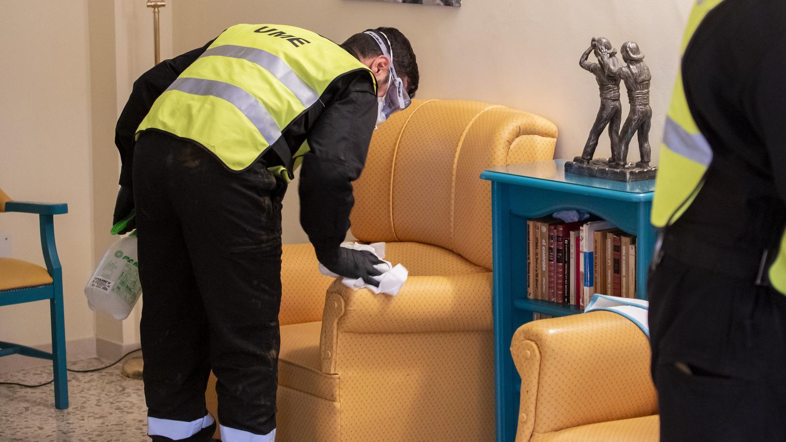 Les residències d'avis demanen fer tests al personal per evitar el col·lapse