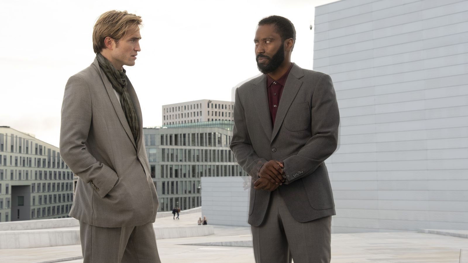 Robert Pattinson i John David Washington a la pel·lícula 'Tenet', de Christopher Nolan
