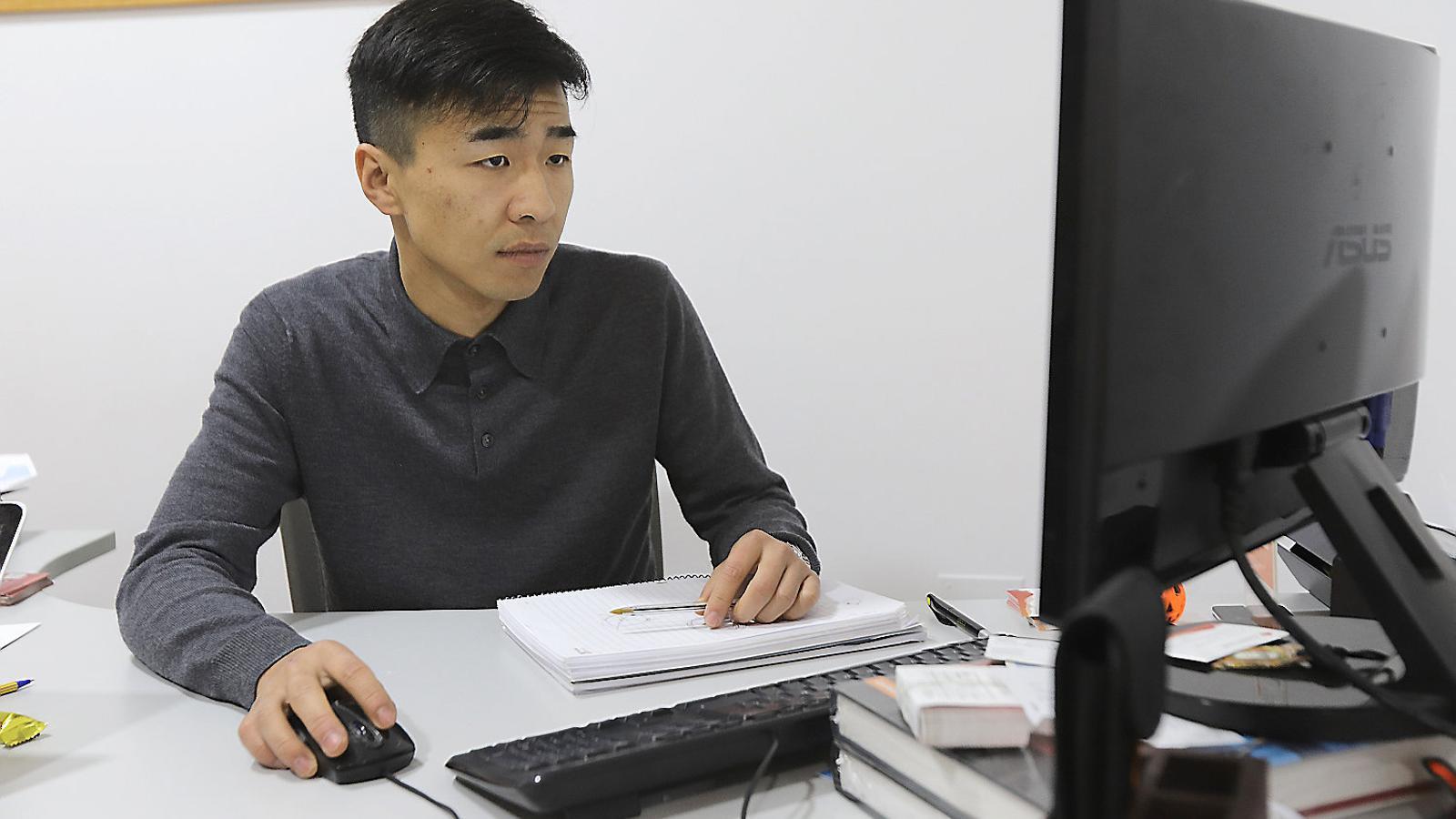 """Fang Ji: """"A les Illes hi ha més de 1.200 autònoms xinesos"""""""