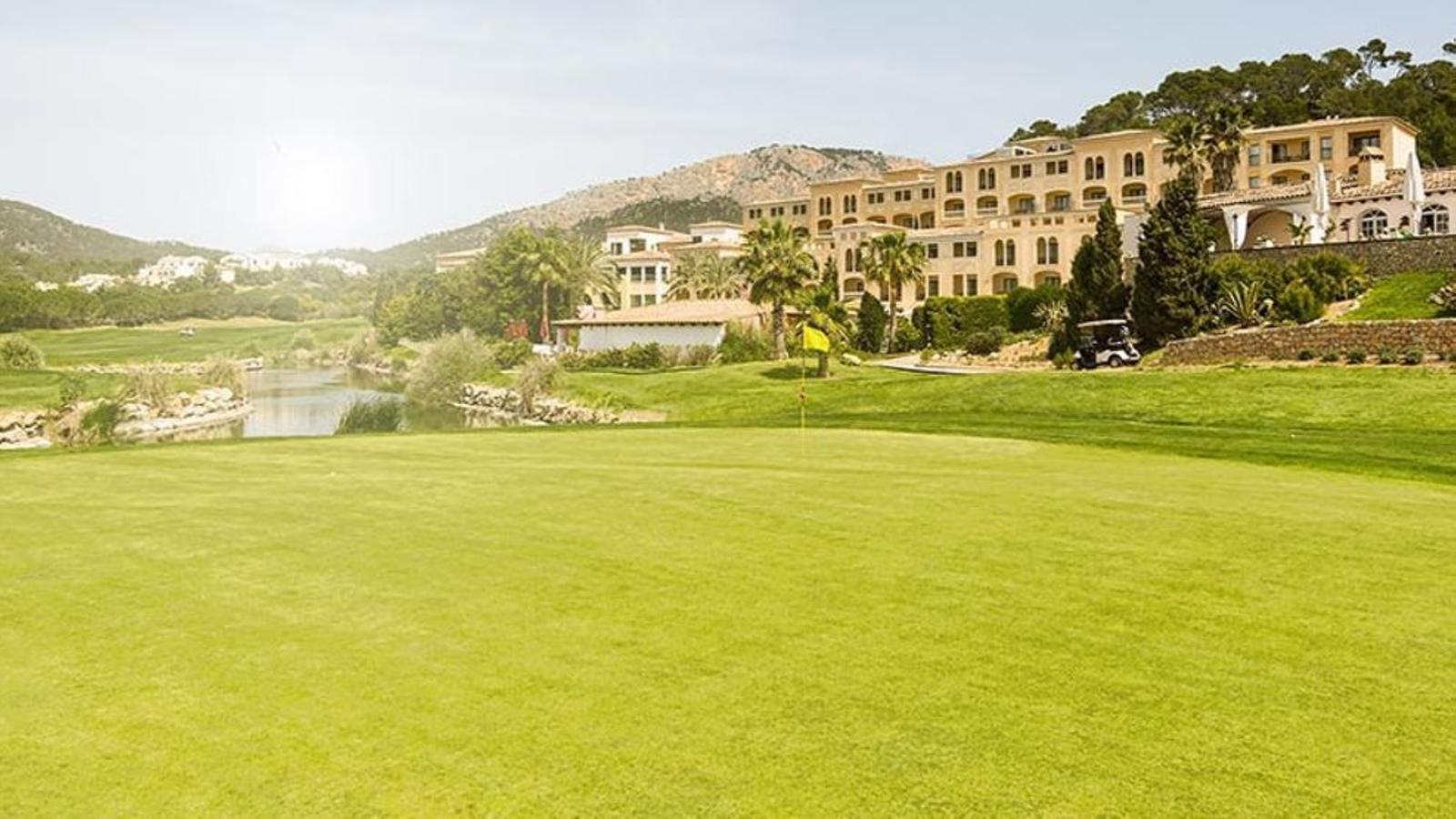 El camp de golf de Camp de Mar és un dels sancionats.