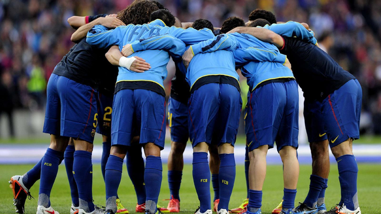 Els onze del Barça es conjuren abans del partit JOSEP LAFO / AFP