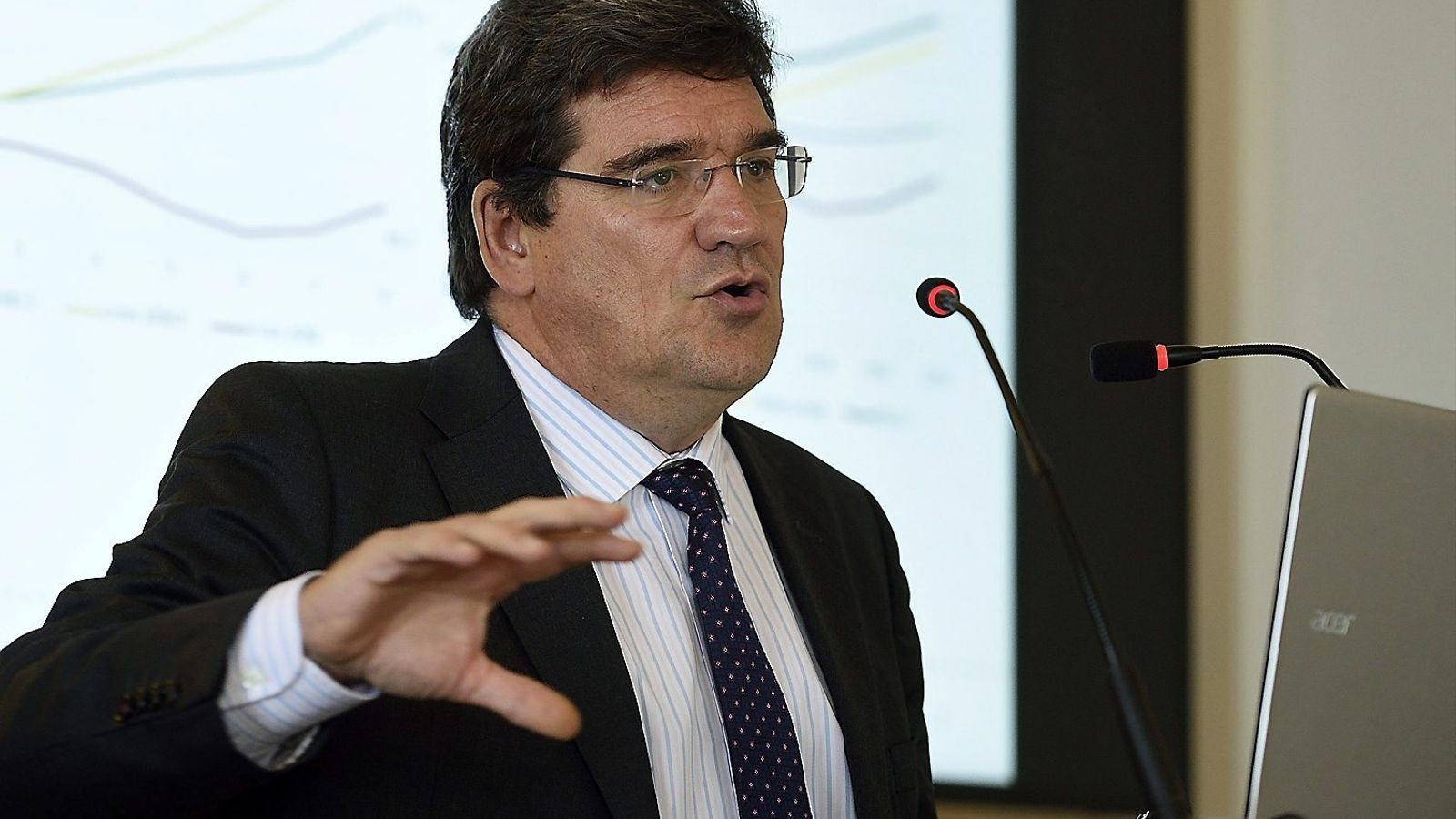 El president de l'Airef va explicar que amb la prima de risc de Bèlgica Espanya s'estalviaria 10.000 milions a l'hora de finançar-se.