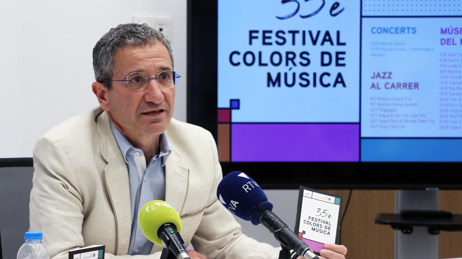 El conseller de Cultura del comú d'Escaldes-Engordany, Salomó Benchluch, durant la presentació de la 35a edició del Festival Colors de Música. / M. P. (ANA)