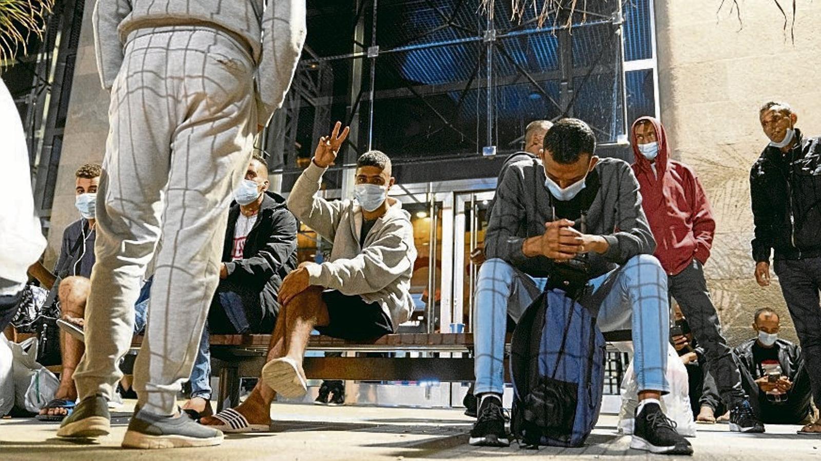 """Manuel Capa, mariner de Salvament Marítim: """"Estem assistint nàufrags que porten vuit dies de travessia al mar"""""""