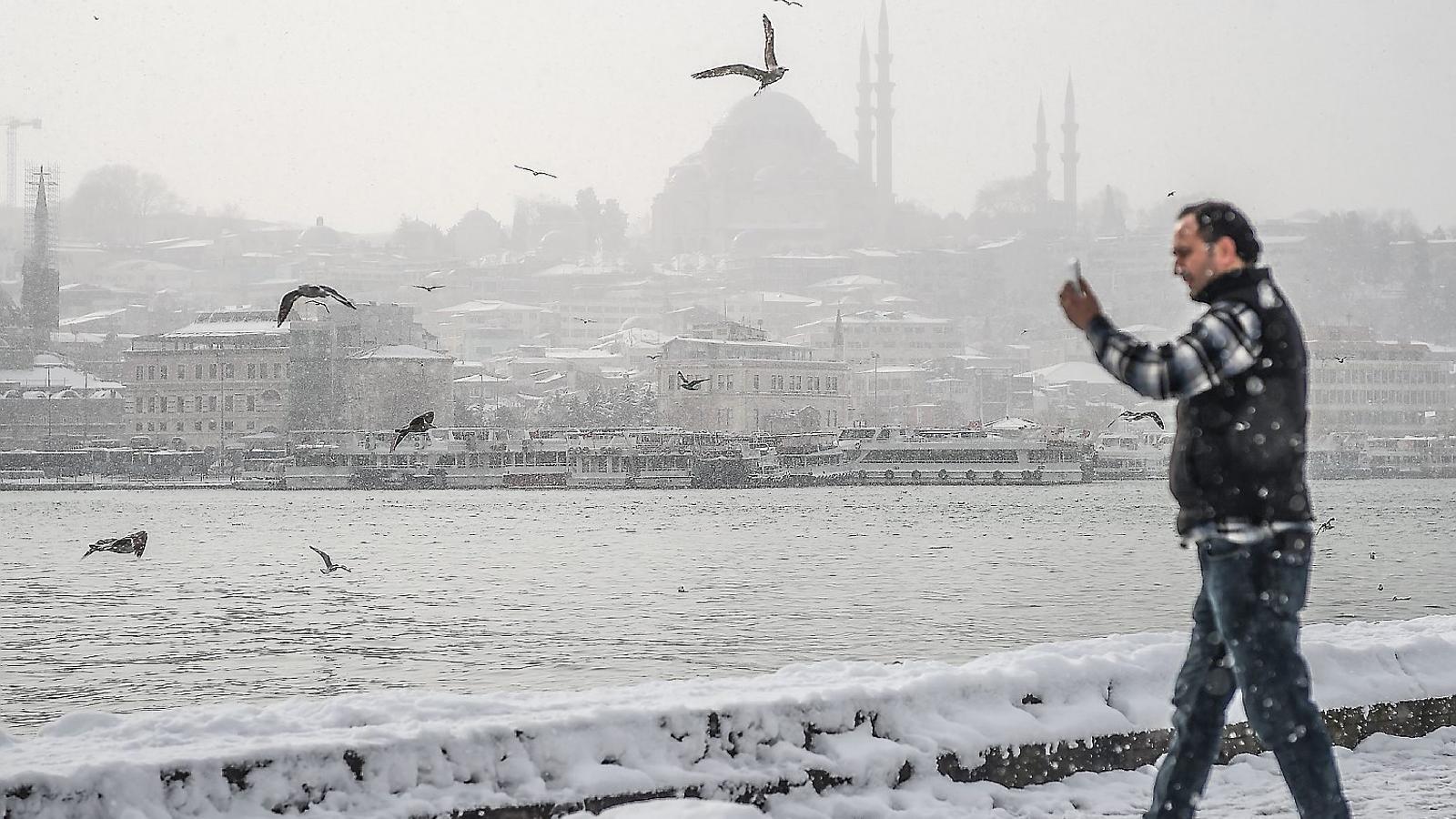 Una excepcional onada  de fred siberià congela Europa