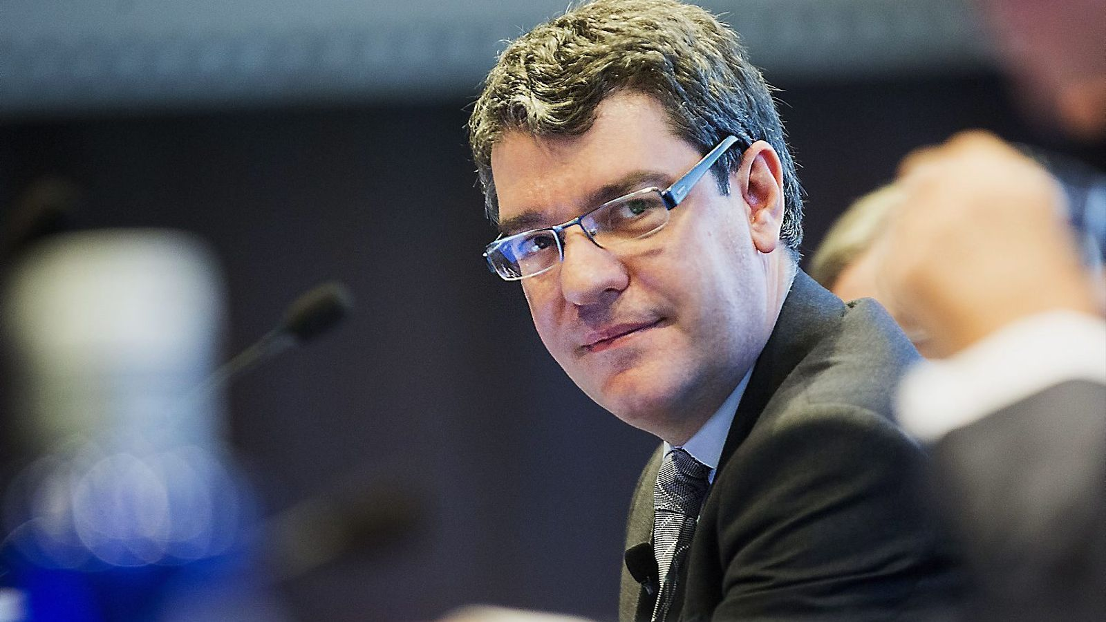 El doctorado inexistente del ministro Álvaro Nadal (Àlex Font Manté)
