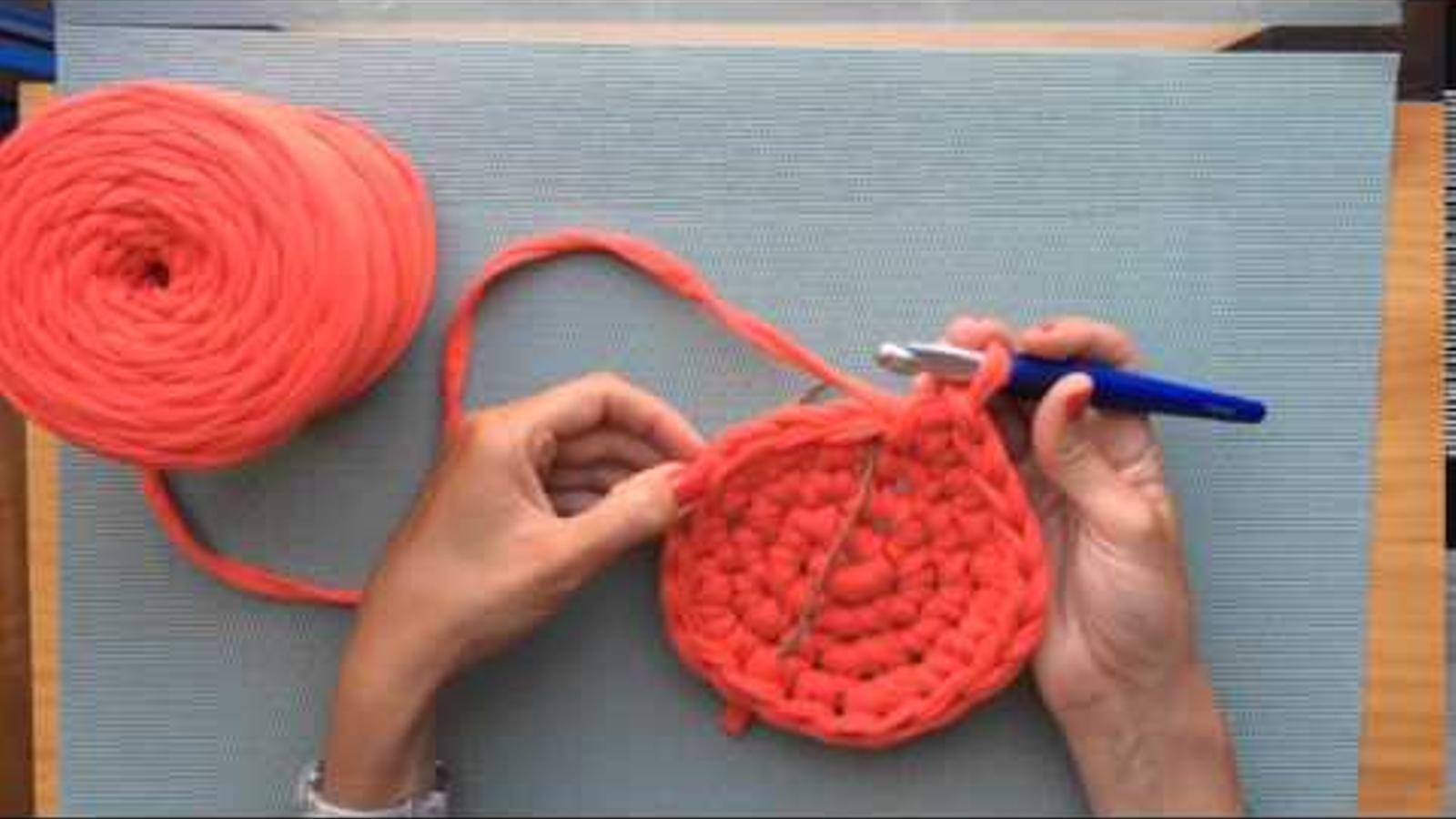 Com teixir un cistell de drapet