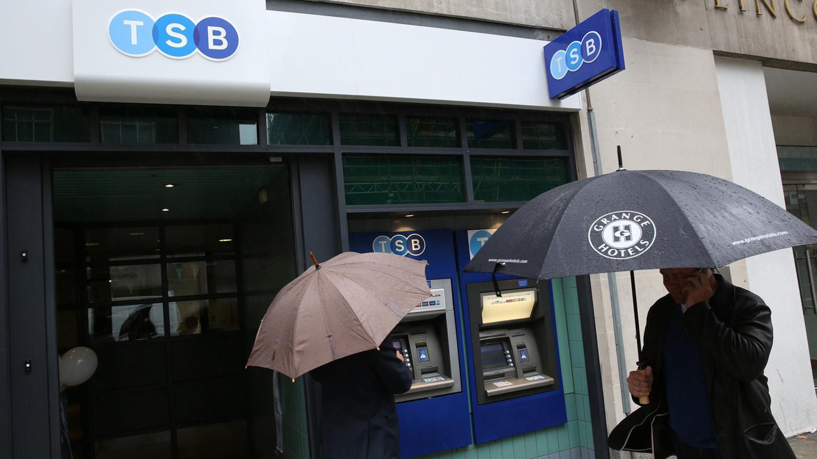 Caòtic canvi informàtic al TSB, la filial britànica del Sabadell