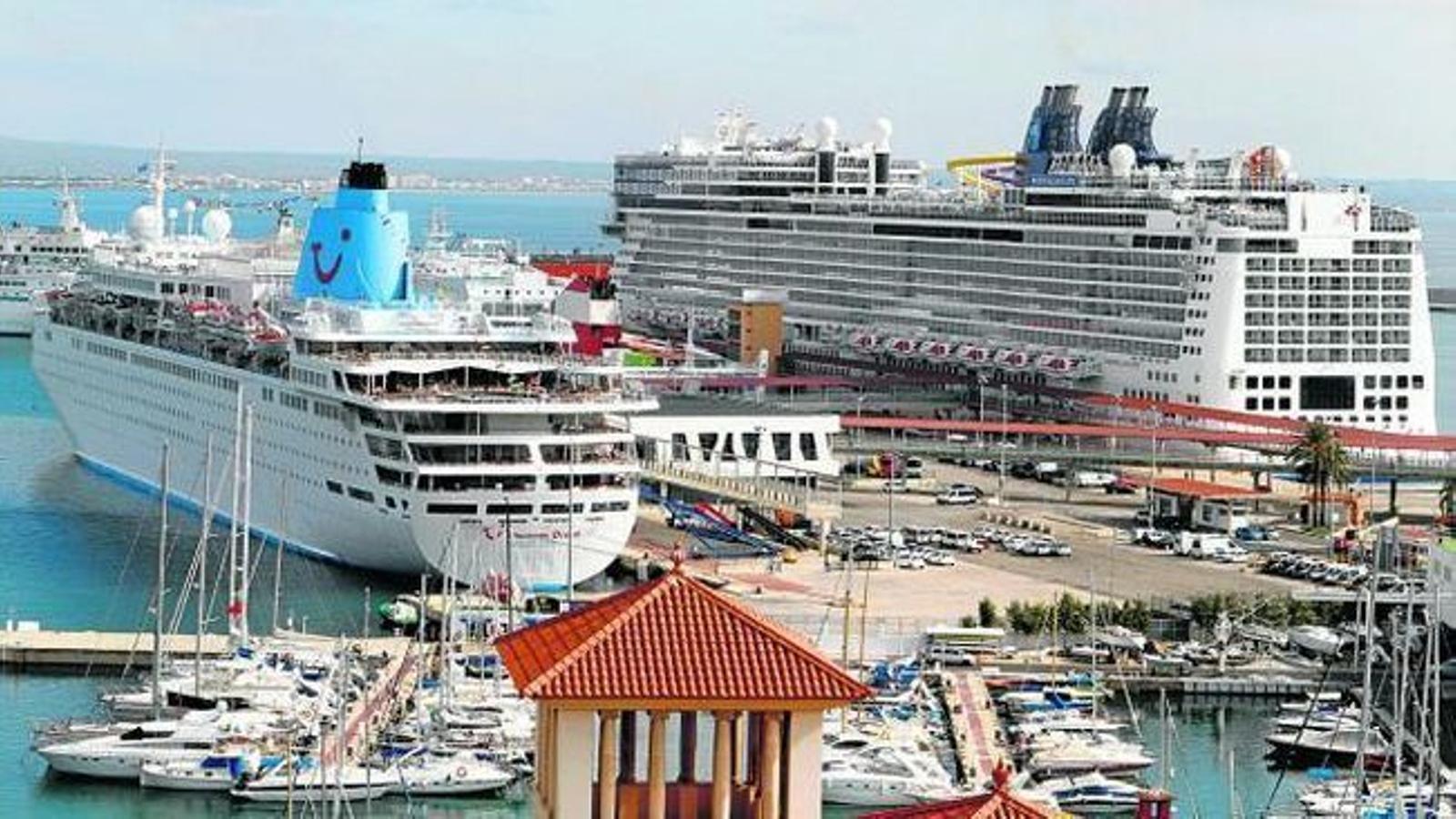 Pels ports de Balears han passat 1,3 milions de creuristes entre gener i juliol.