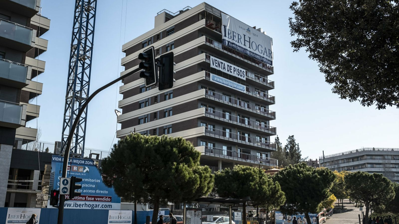 Una promoció de pisos en construcció a Cornellà de Llobregat.