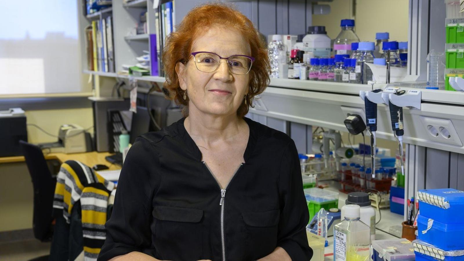 La viròloga del Consell Superior de Recerques Científiques, Margarita del Val, durant una entrevista