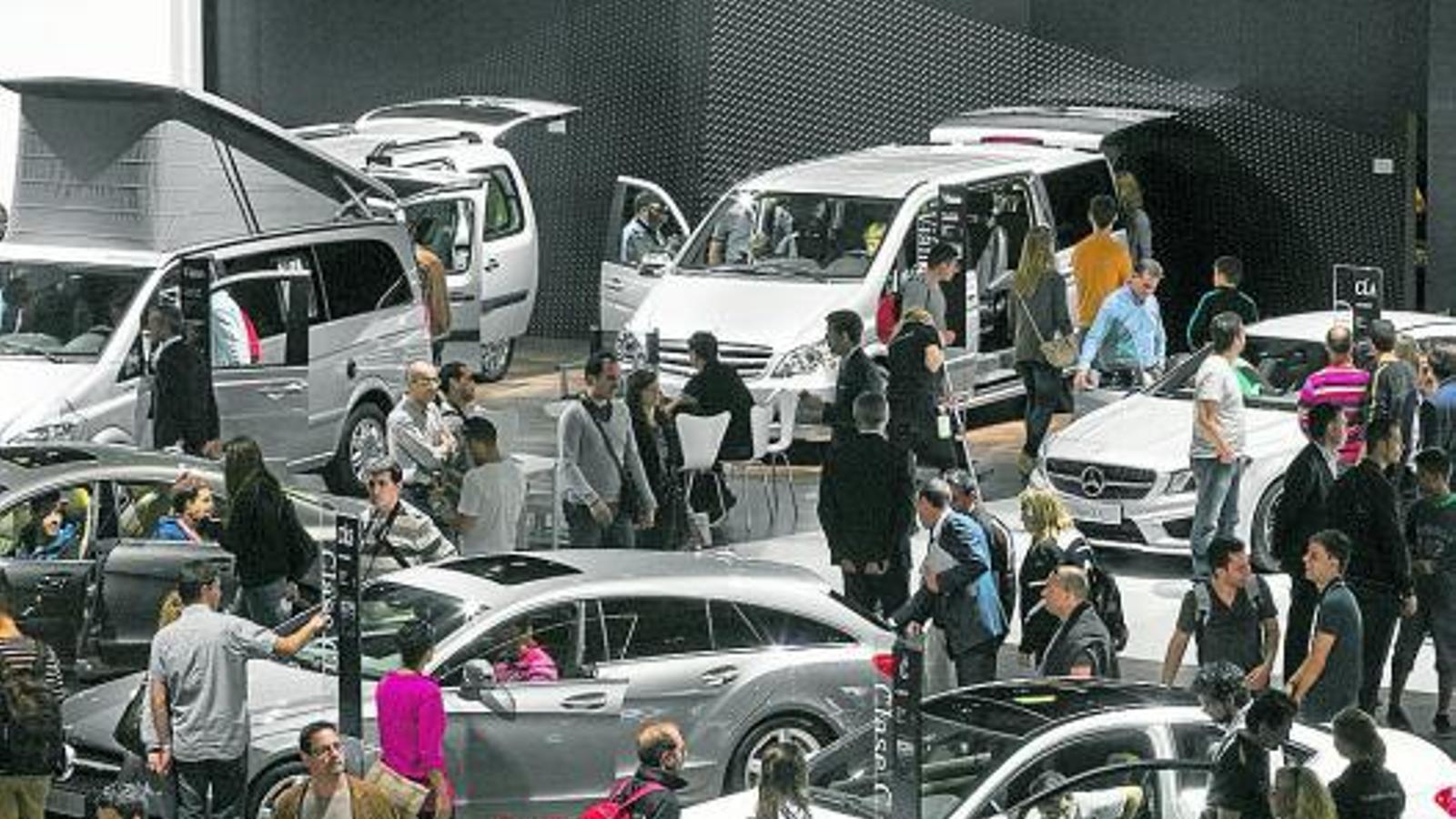 L'ANY DE LA RECUPERACIÓ   El sector de l'automòbil confia que els pobres 2012 i 2013 quedin ja oblidats aquest 2014, amb una pujada de vendes superior al 10%. De moment, l'any ha començat molt bé, amb una millora acumulada del 19% a Catalunya i del 13% a Espanya.
