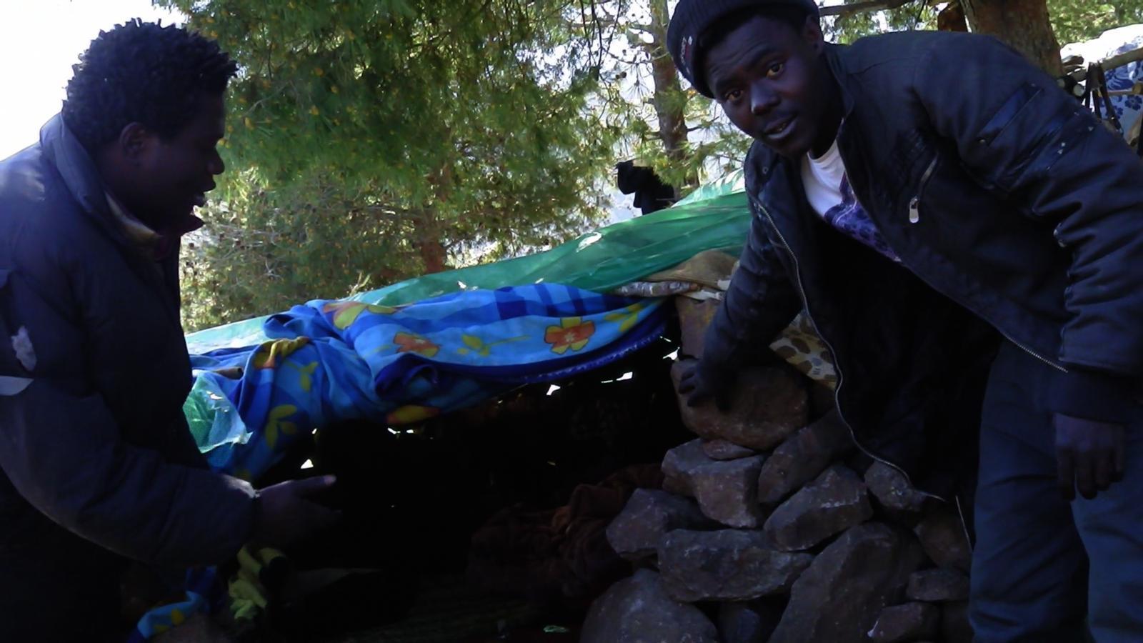 Sobrevivint al mont Gurugú en una barraca de pedra