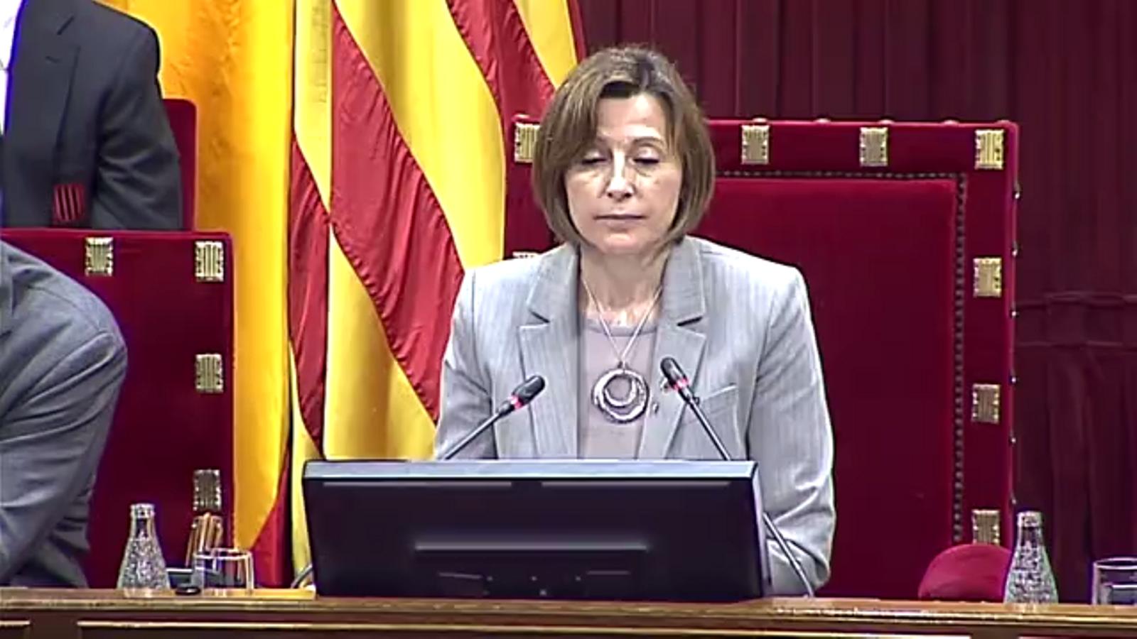 El president de la Generalitat, Carles Puigdemont defensa Llach recordant la seva lluita antifranquista