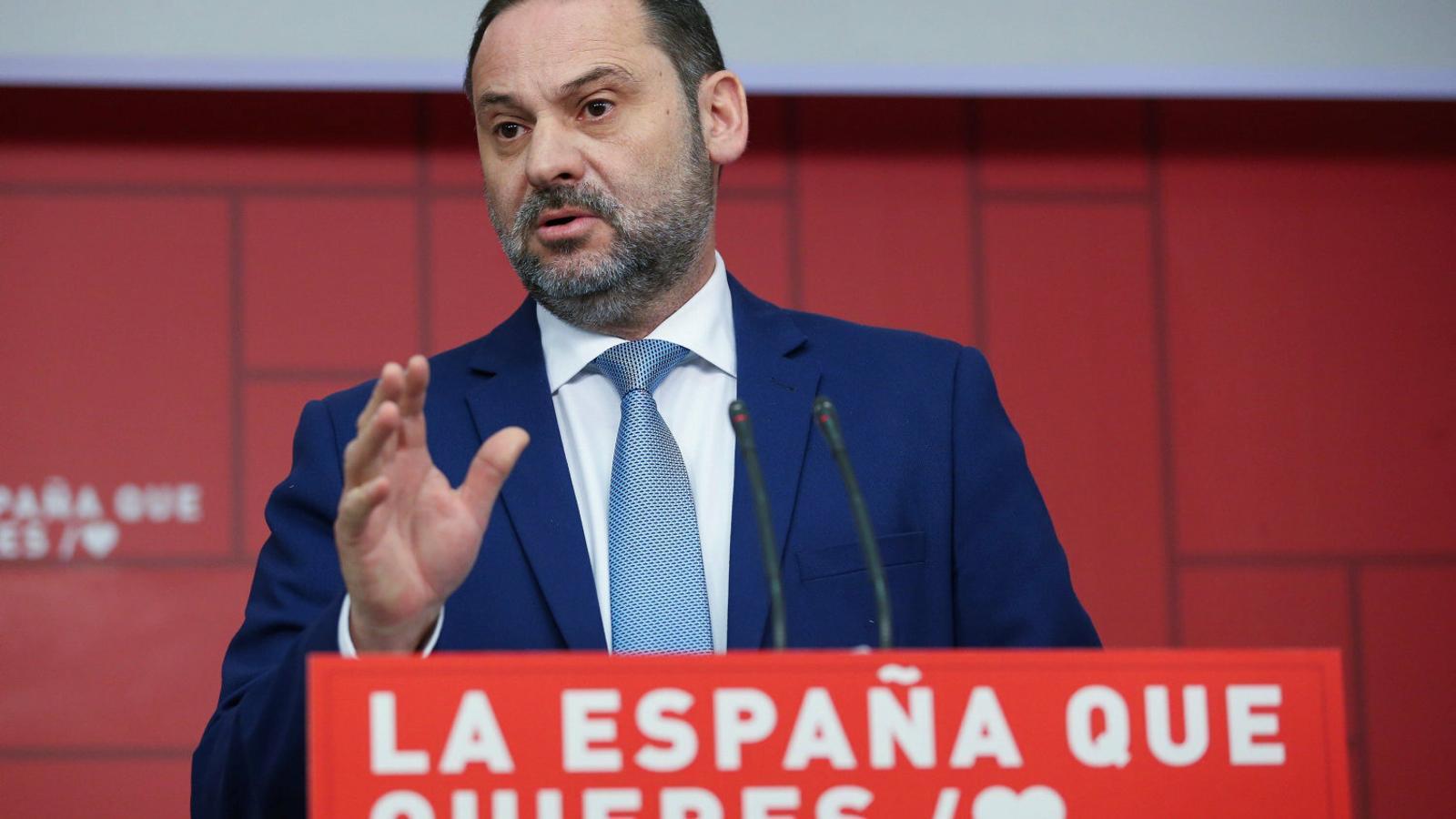 El secretari d'organització del PSOE, José Luis Ábalos, ahir en roda de premsa.