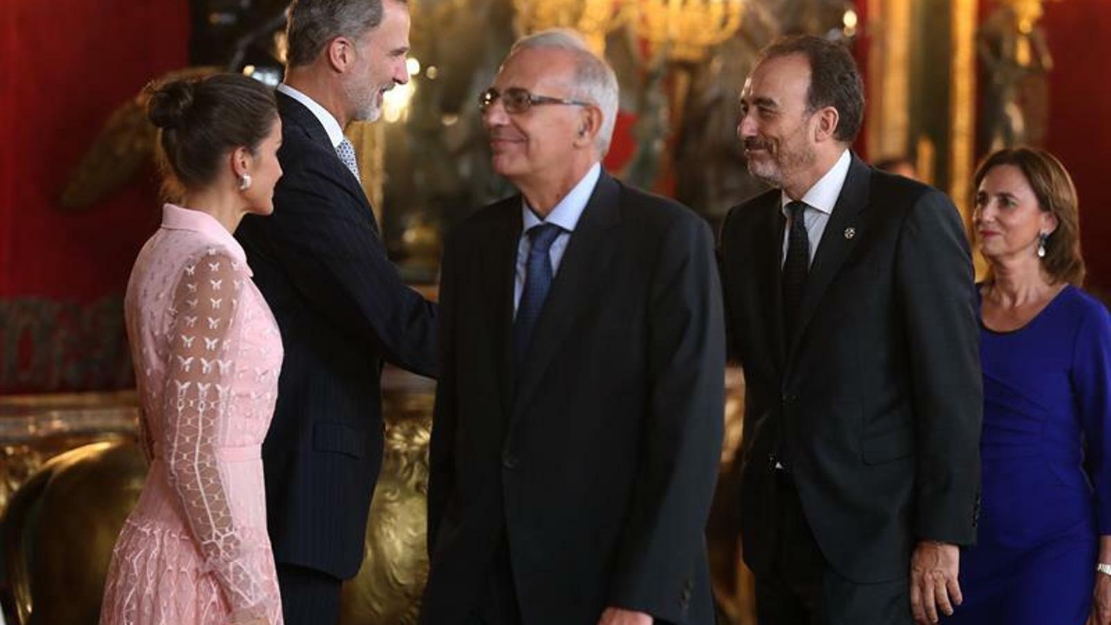 Manuel Marchena saludant Felip VI en la rebuda al Palau Real de Madrid