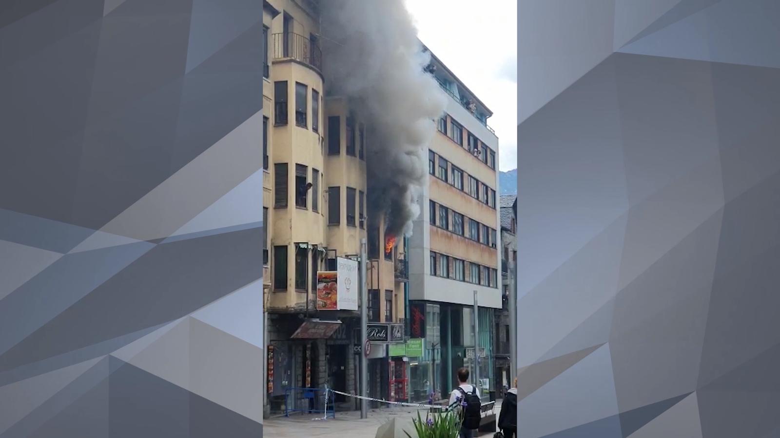 Incendi a l'avinguda Carlemany
