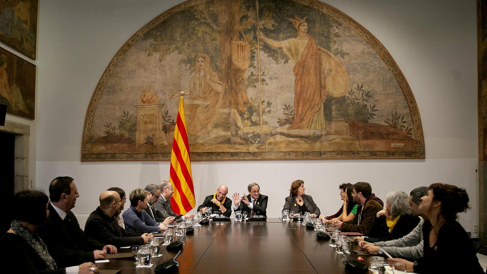 Reunió  de Quim Torra amb el consell assessor del Fòrum Cívic i Social per al Debat Constituent.