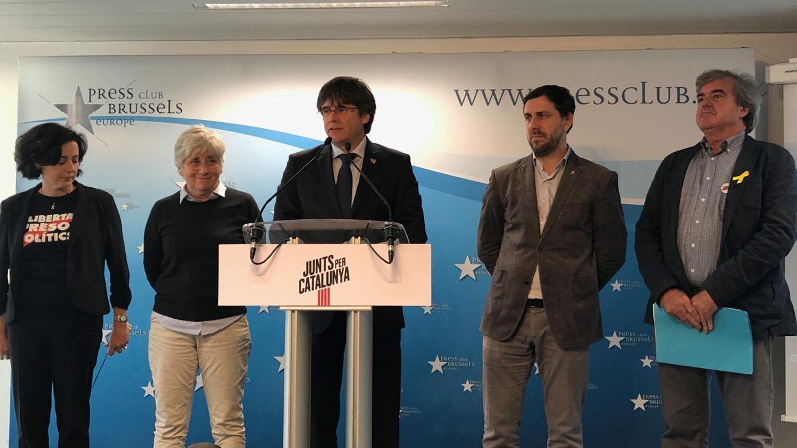 Puigdemont i Comín presentant la llista a les europees com a prova que la unitat de l'independentisme és possible / JM