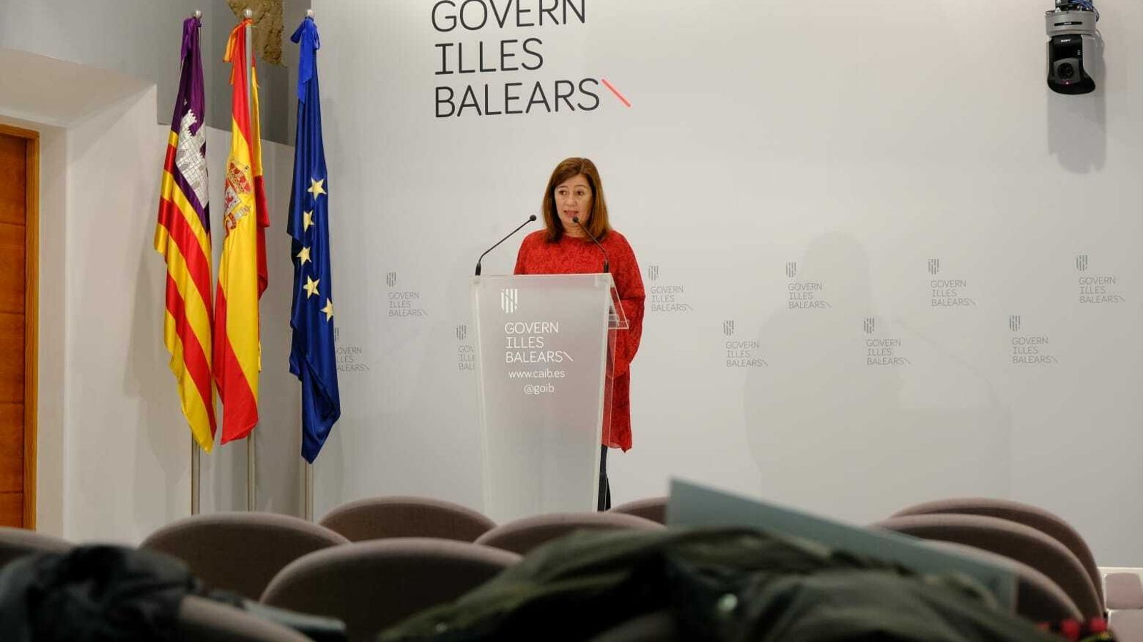 La presidenta del Govern de les Illes Balears durant la roda de premsa.
