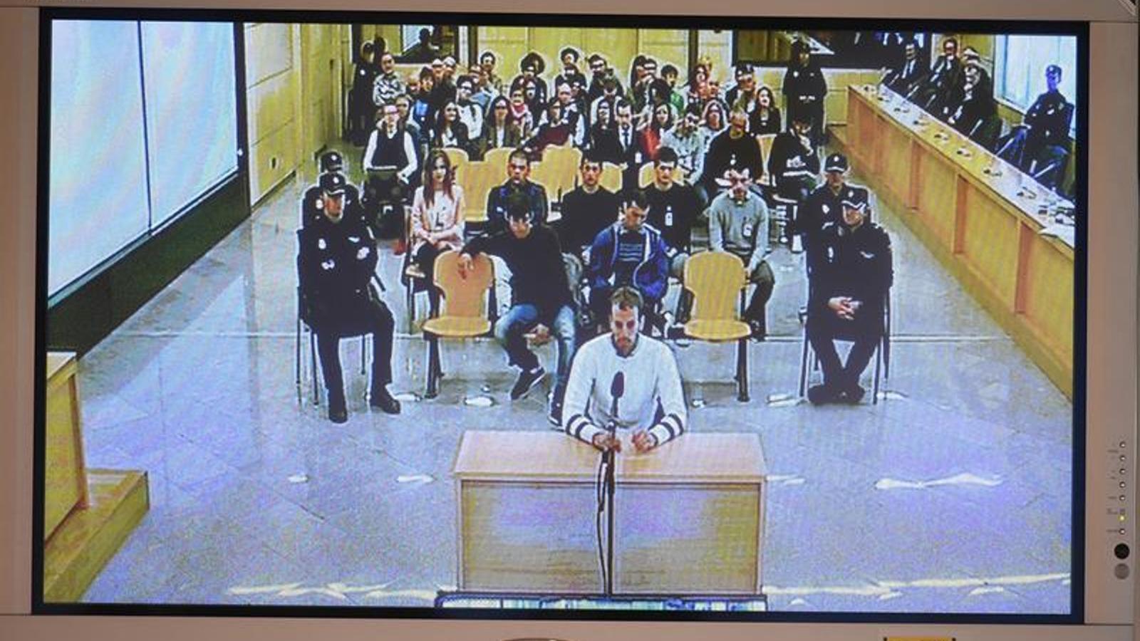 Els joves d'Altsasu rebutgen l'acusació de terrorisme