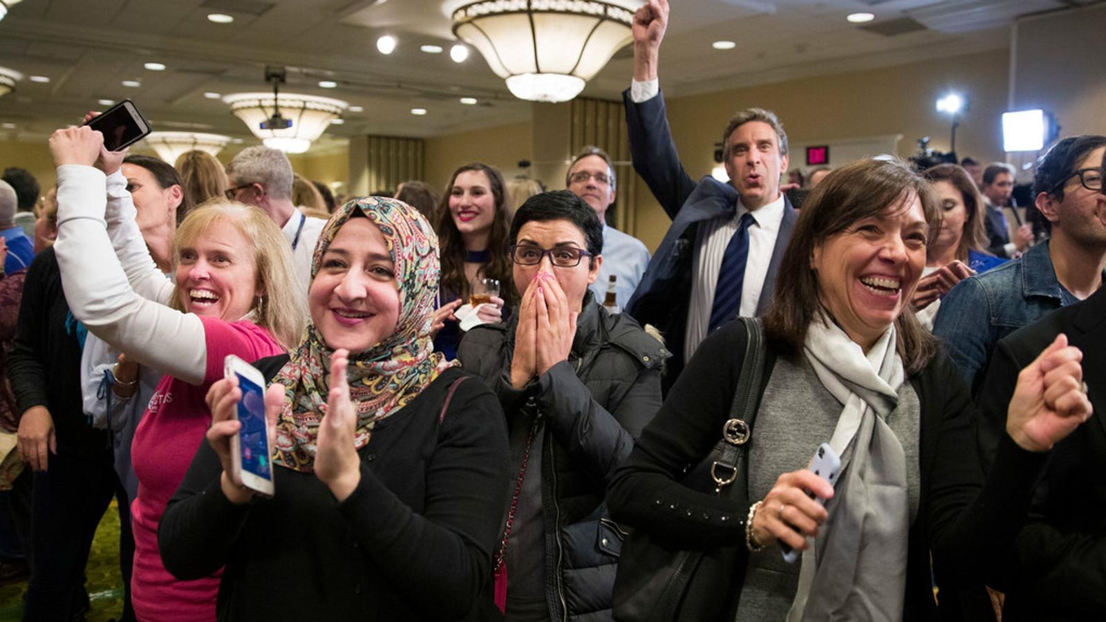 Els demòcrates guanyen a la cambra baixa però els republicans surten reforçats al Senat