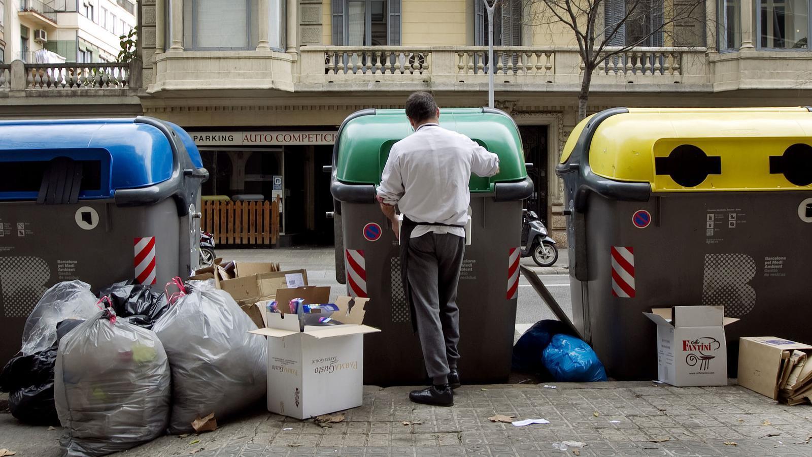 Pressió sobre les grans ciutats per arribar als objectius de reciclatge