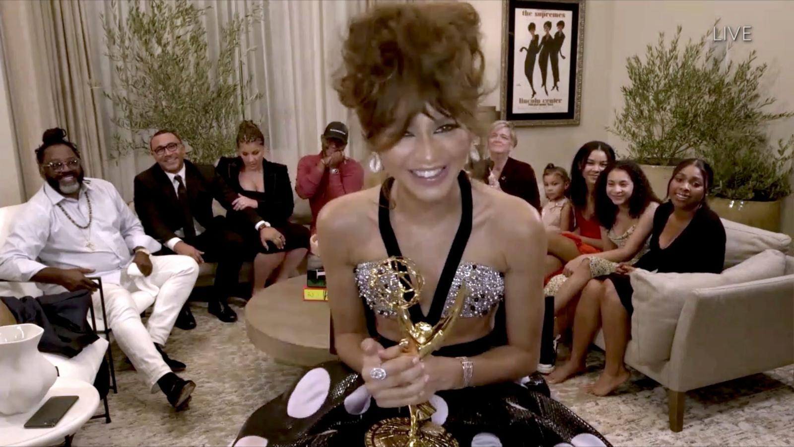 L'actriu Zendaya amb el premi