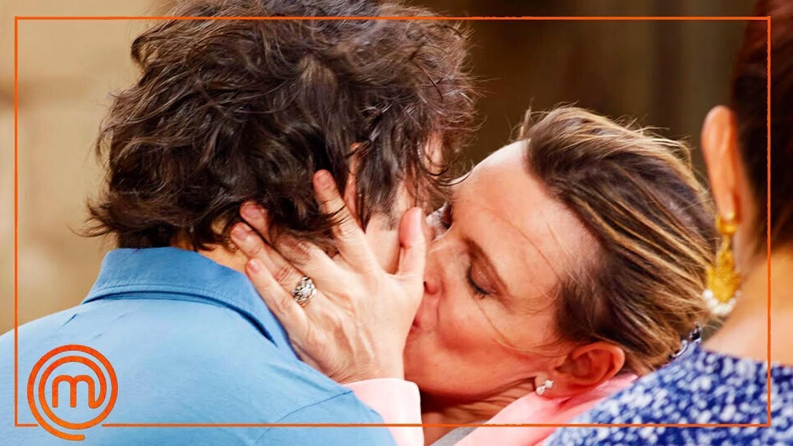 El moment en què Flo persegueix Pepe Rodríguez per fer-li un petó