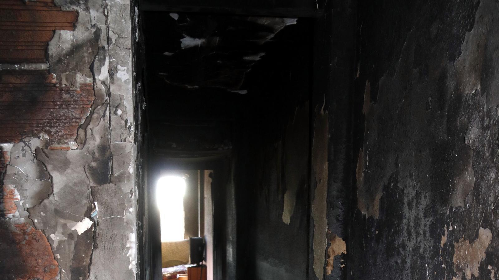 Els Mossos detenen una dona acusada de provocar un incendi en un pis de Reus