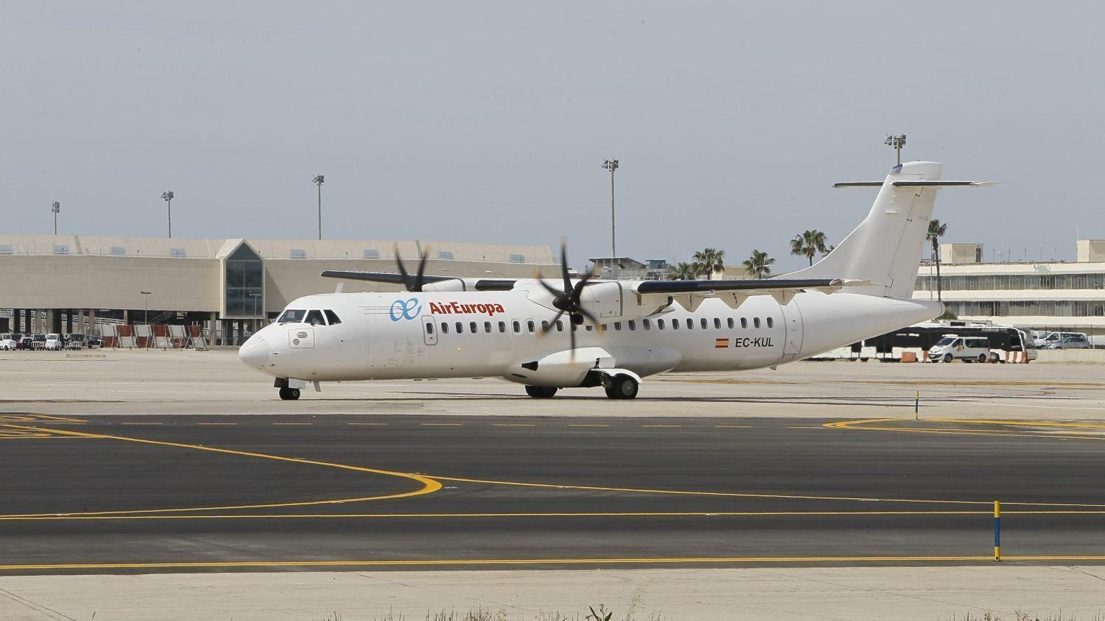 Un avió d'Air Europa operant una de les rutes interilles. / ISAAC BUJ
