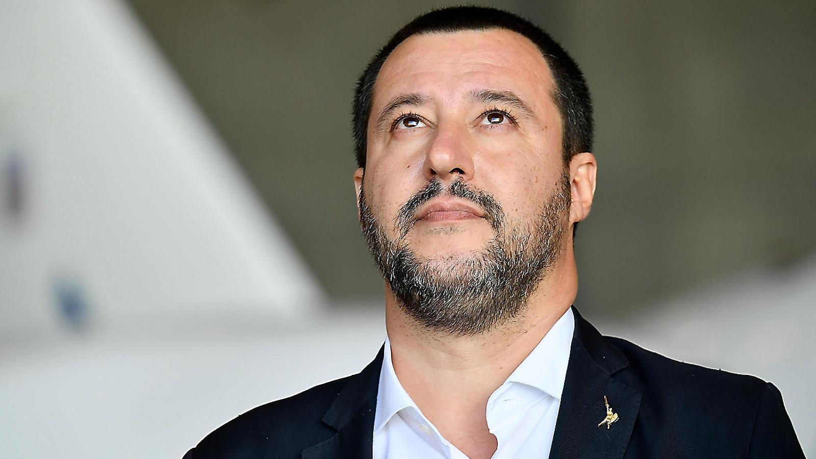 Salvini endureix la llei migratòria