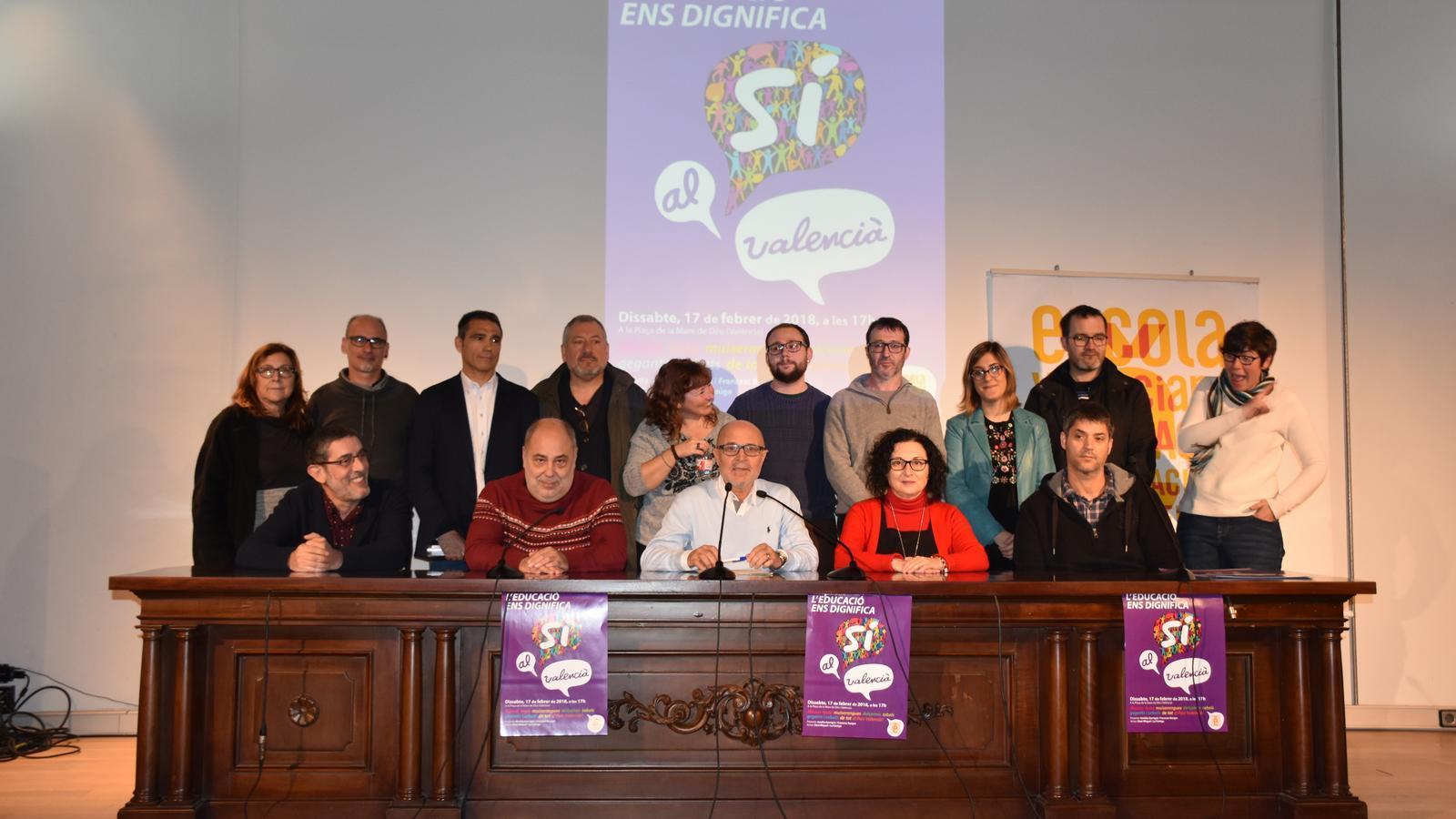 """Escola Valenciana crida a defensar l'educació pública de """"les acusacions d'adoctrinament de PP, Cs i Vox"""""""