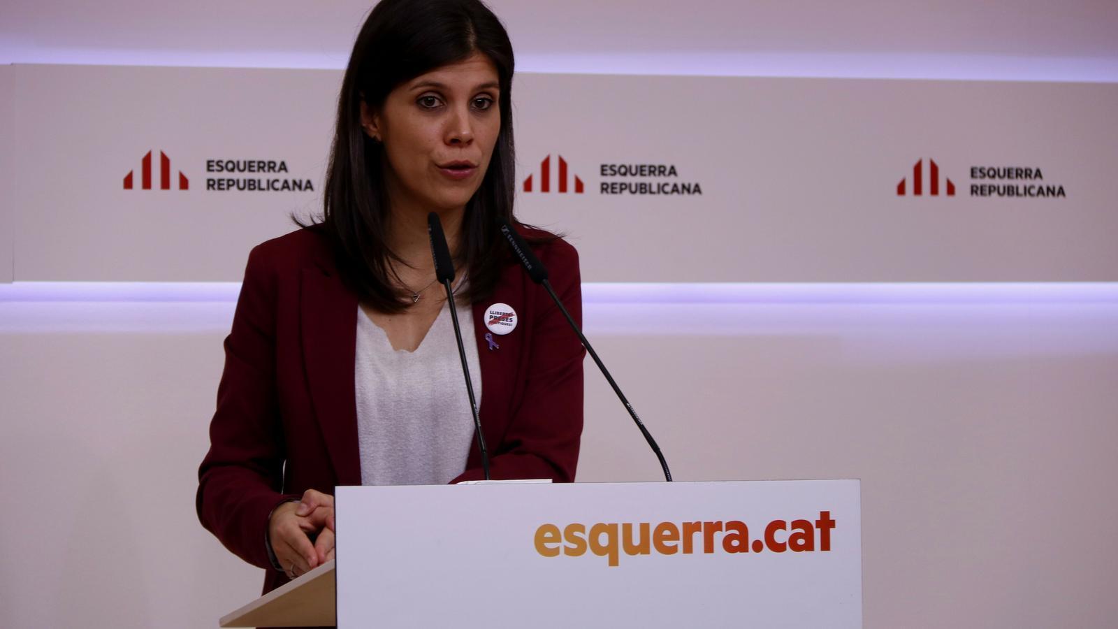 La secretària general adjunta d'ERC, Marta Vilalta, en roda de premsa aquest dilluns.